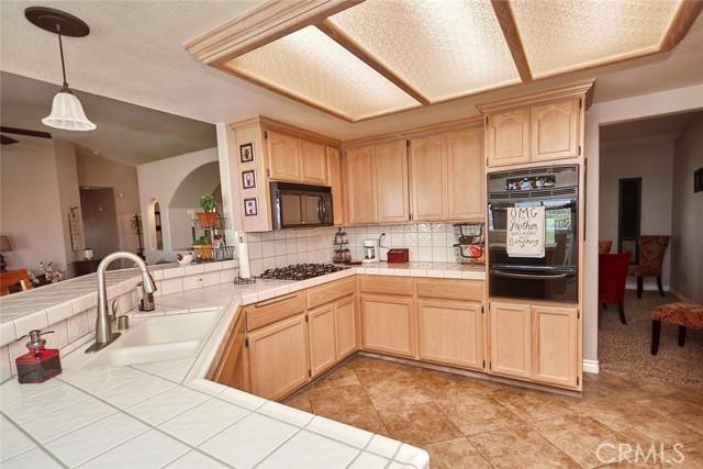 10224 Whitehaven St, Oak Hills, CA 92344 Photo 15