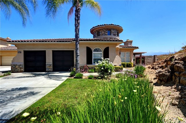 2462  Griffin Way, Corona, California