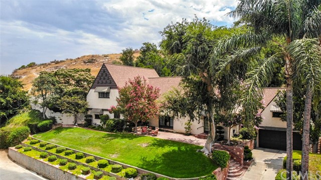 Fantastic location* Tucked Away near Lake Evans Fairmount Park with Exceptional Views to enjoy and relax* Antique Lover's Delight * Quality from the Past! This ageless Beauty Looks like a Million! Easy Commute* The location is perfect for an evening brisk stroll to The Mission Inn as well as several new restaurants to choose from * Enjoying the Historical Riverside District filled with many homes have their own unique character that takes your breath away* Blast From The Past*** An Abundance of 3413 SQFT of living space sitting on a huge lot totaling 23,087 sqft or .53 Acre two separate lots with own APN#s* 6 large bedrooms* 3.25 Bathrooms*Authentic wood floors throughout* Back yard Waterfall* This home offers abundant of opportunity you have to see it to write your own description of this unique beauty* The pictures and video will give you a teaser of what's this house really looks like, your visit will confirm the quality and the unbelievable location where you will enjoy the sound of silence and Privacy* With some work and love, it doesn't take much to realize what a special home this is and can become* The neighborhood provides majestic residences with luxury lots and character* Seeing in believing***VideoLink - https://www.qwikvid.com/realestate/go/v1/mls/?idx=ftiBgnloXKDHnHXwwk4ONVWvZRRVQXV5