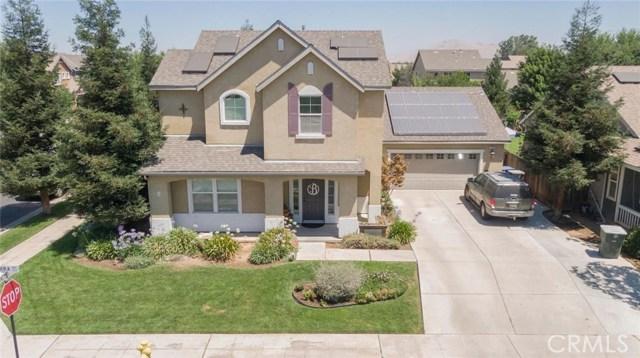 372 E Sierra Avenue, Reedley, CA 93654