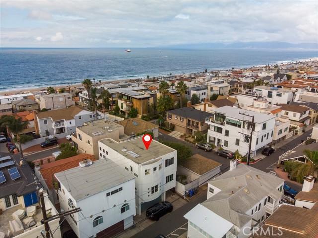 Wonderful neighborhood and short walk to beach