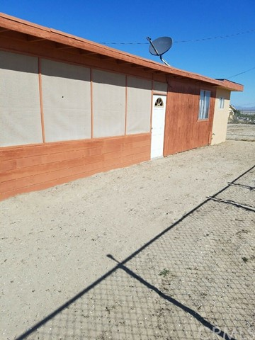 10683 Meridian Rd, Lucerne Valley, CA 92356 Photo 1