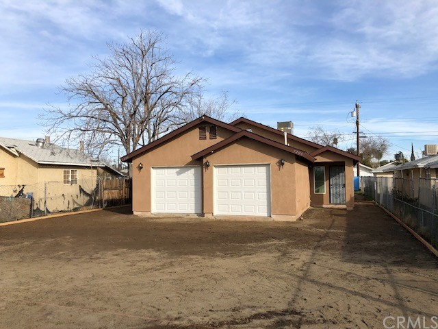 1206 Oregon Street, Bakersfield, CA 93305