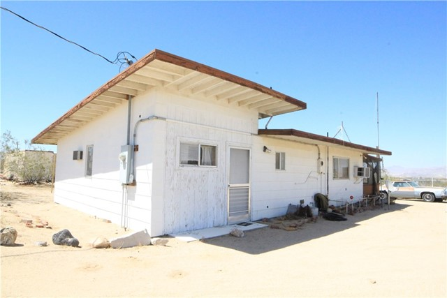 56426 Virginia Road, Landers, CA 92285