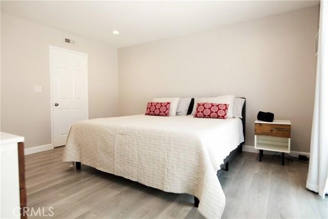 1421 12th Street 2, Manhattan Beach, California 90266, 2 Bedrooms Bedrooms, ,2 BathroomsBathrooms,For Sale,12th,OC20156923