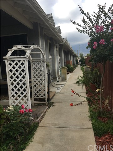 2048 E Villa St, Pasadena, CA 91107 Photo 21