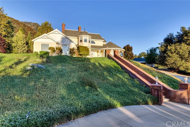 10935 Lookout Circle, Oak Glen, CA 92399