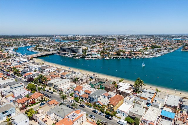 36. 128 Claremont Avenue Long Beach, CA 90803