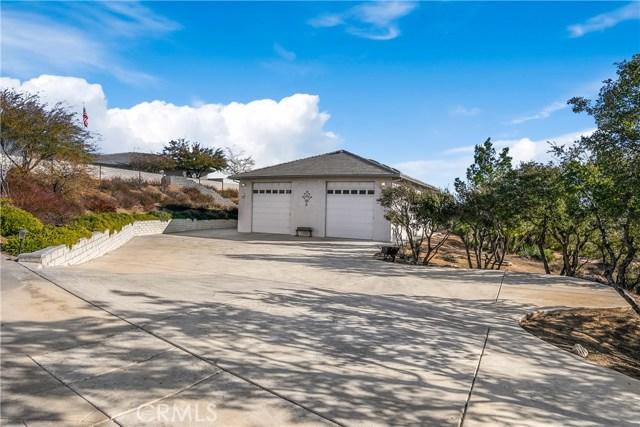 10260 Whitehaven St, Oak Hills, CA 92344 Photo 3
