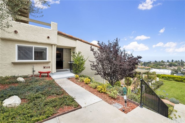 Photo of 134 Aspen Way, Rolling Hills Estates, CA 90274