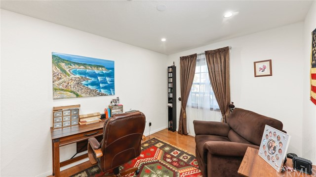 227 Irena Avenue 1, Redondo Beach, California 90277, 3 Bedrooms Bedrooms, ,2 BathroomsBathrooms,For Sale,Irena,PV21072693
