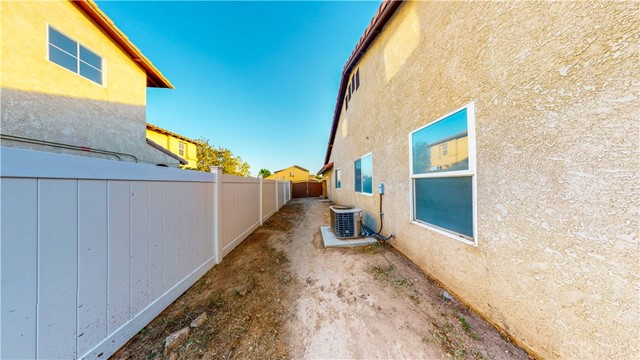 28. 12728 Water Lily Lane Victorville, CA 92392