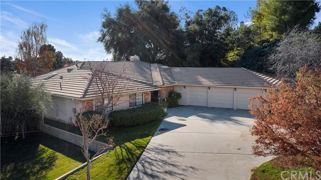 1180 Fairway Lane, Calimesa, CA 92320