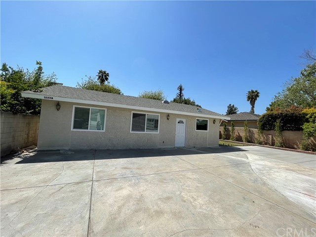 Attractive single leave home located in desirable Arcadia , Brand New construction with beautiful 3 bedrooms and 2 full bathrooms ,Very wide and quiet street, close to park, Arcadia school . washer and dryer include with rent.