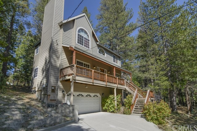 647 Grass Valley Road, Lake Arrowhead, CA 92382