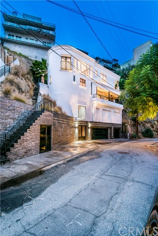 8445 Franklin Avenue, Hollywood Hills, CA 90069