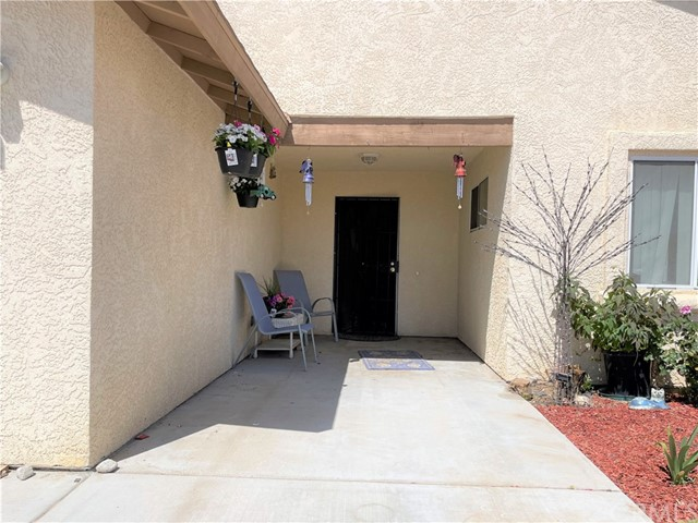 5. 6958 Mohawk Trail Yucca Valley, CA 92284