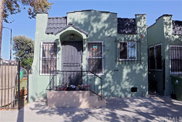 6202 S Halldale Avenue, Los Angeles, CA 90047