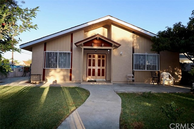 2001 Oak Street, Santa Ana, CA 92707
