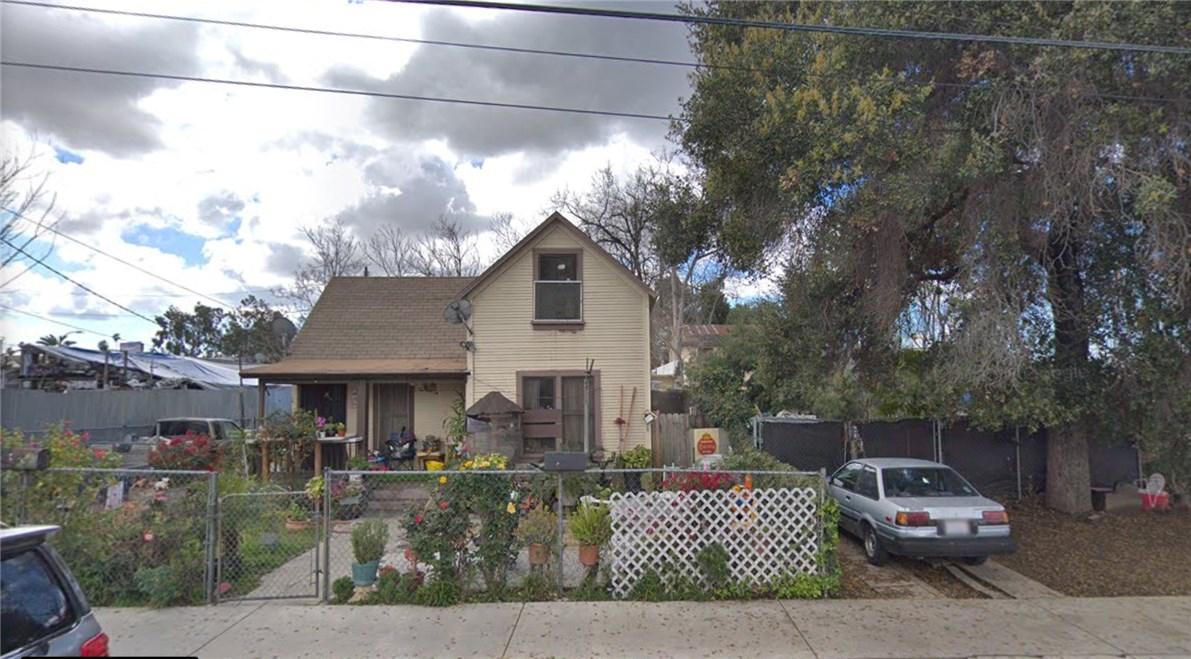 442 E Monterey Avenue, Pomona, CA 91767