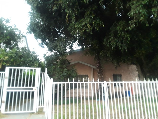 2011 W 54th Street, Los Angeles, CA 90062