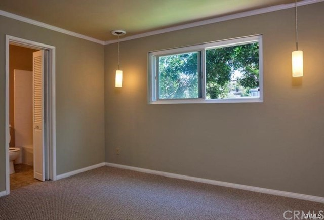 the floors have been upgraded to Hardwood throughout and the master bath fully renovated with sliding barndoor