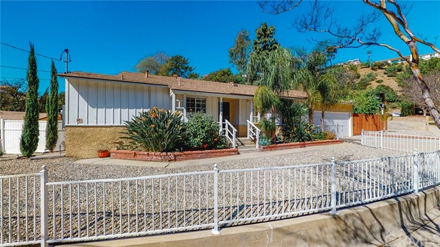 8461 Outland View Drive, Sun Valley, CA 91352