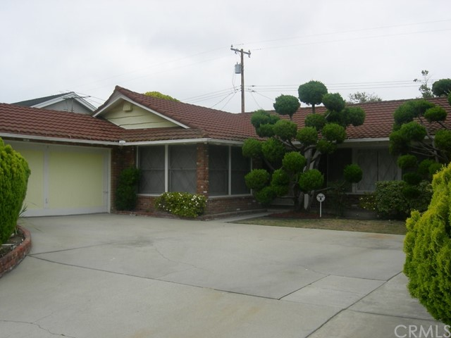 11932 Wallingsford Road, Los Alamitos, CA 90720