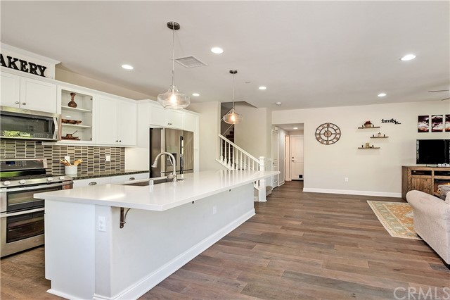 Photo of 806 El Paseo, Lake Forest, CA 92610