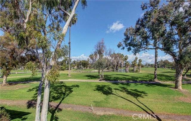 26 Nuevo, Irvine, CA 92612 Photo 2