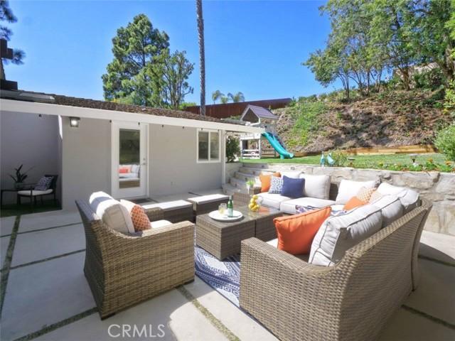 2209 Via Alamitos, Palos Verdes Estates, California 90274, 4 Bedrooms Bedrooms, ,1 BathroomBathrooms,For Sale,Via Alamitos,PV21054065