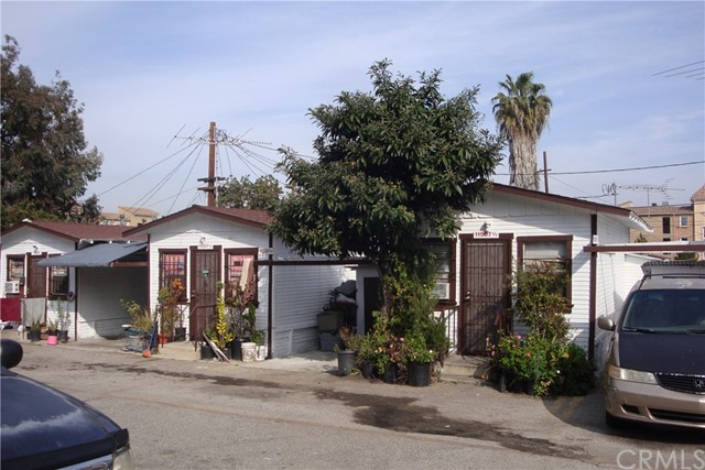 11507 S Budlong Avenue, Los Angeles, CA 90044