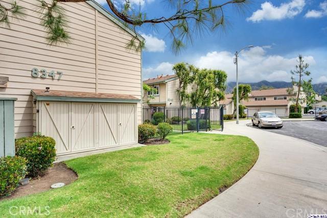 8347 Grenoble Street 2, Sunland, CA 91040
