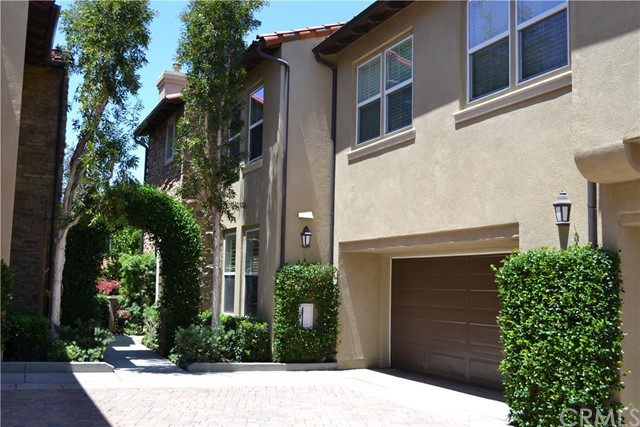 228 Lonetree, Irvine, California 92603, 2 Bedrooms Bedrooms, ,2 BathroomsBathrooms,For Sale,Lonetree,PW15167941