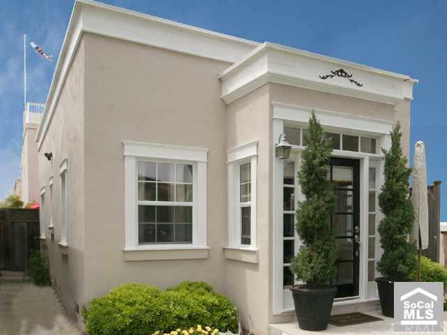 221 14TH Street, Huntington Beach, California 92648, 3 Bedrooms Bedrooms, ,1 BathroomBathrooms,For Sale,14TH,S535279