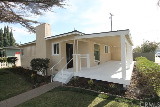 1040 W Acacia Avenue, Orange, CA 92868