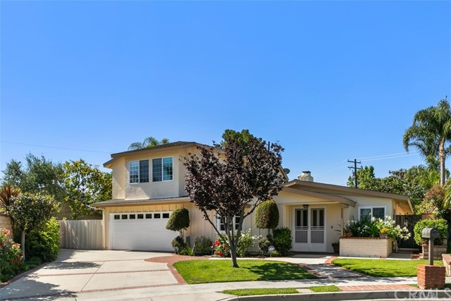 2. 2284 Redlands Newport Beach, CA 92660