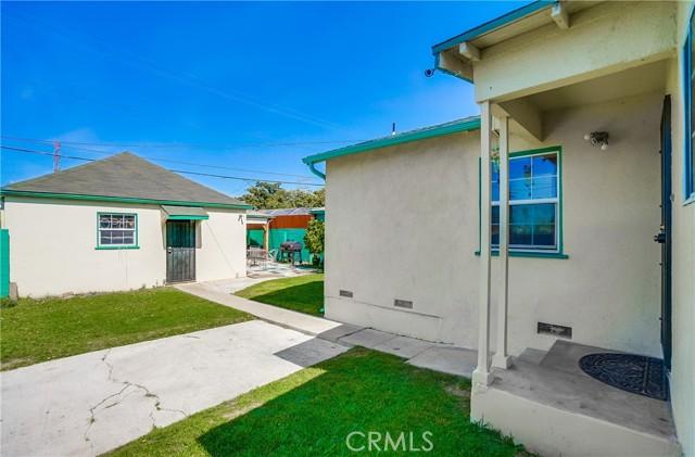 48. 2661 Thurman Avenue Los Angeles, CA 90016