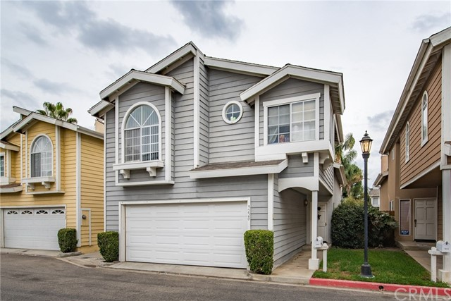 9220 Independence Way 30, North Hills, CA 91343