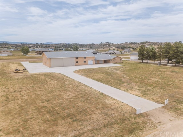 49665 Flightline Way, Aguanga, CA 92536