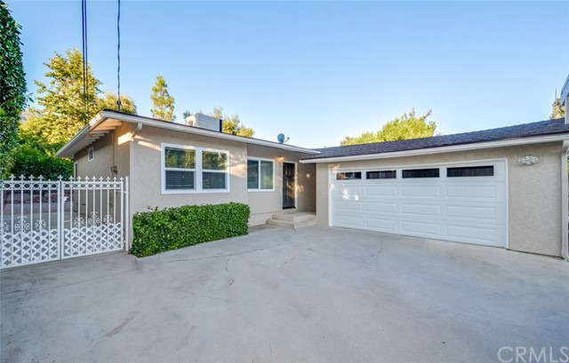 9762 Tujunga Canyon Boulevard, Tujunga, CA 91042