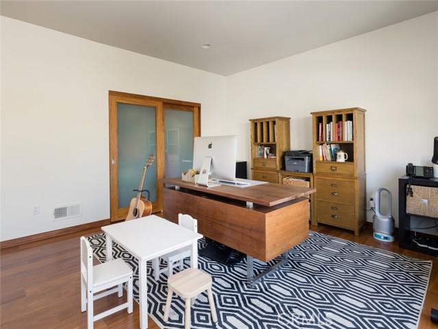 1122 8th Street, Hermosa Beach, California 90254, 5 Bedrooms Bedrooms, ,4 BathroomsBathrooms,For Sale,8th,TR21042342