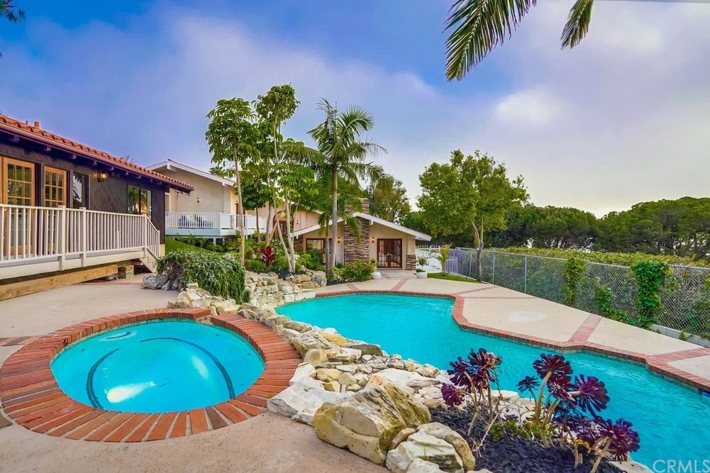 Photo of 6857 Crest Road, Rancho Palos Verdes, CA 90275