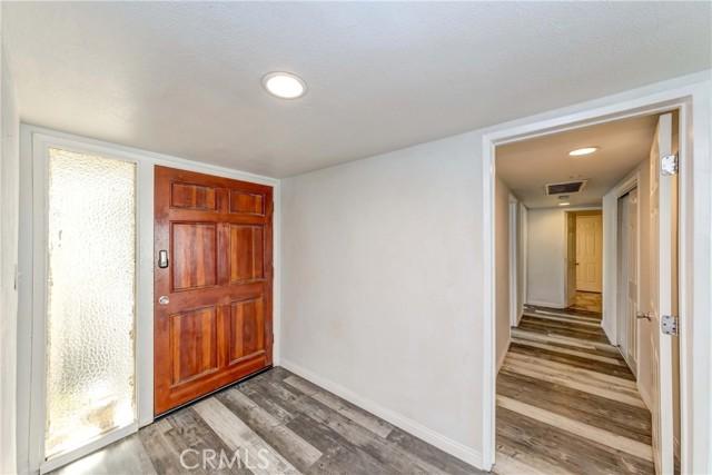 17. 7002 Van Noord Avenue North Hollywood, CA 91605