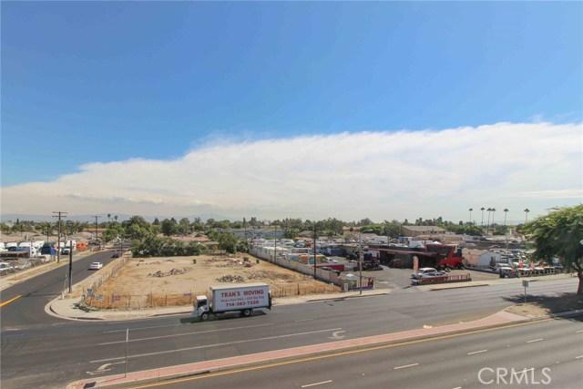 1209 N Harbor Boulevard, Santa Ana, CA 92703