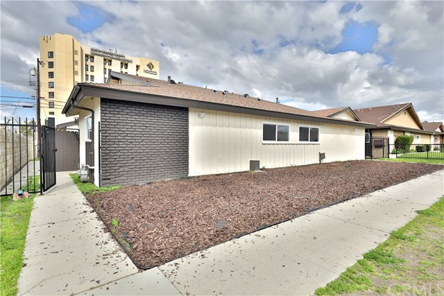 1811 W Neighbors Avenue 1-4, Anaheim, CA 92801