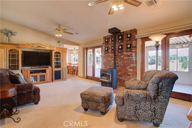 7026 Kouries Wy, Oak Hills, CA 92344 Photo 9