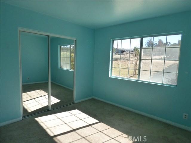 10974 Adobe Rd, Oak Hills, CA 92344 Photo 9