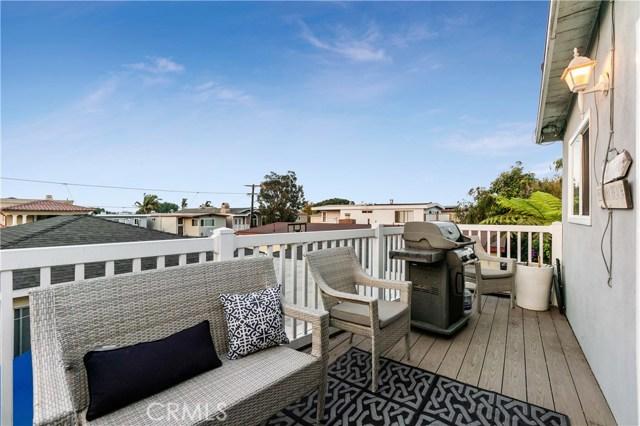 1205 19th Street, Hermosa Beach, California 90254, 3 Bedrooms Bedrooms, ,1 BathroomBathrooms,For Sale,19th,SB20216712