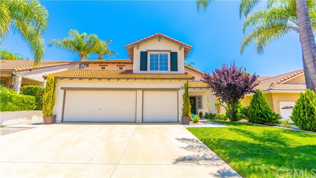 3115 Amberwood Lane, Escondido, CA 92027